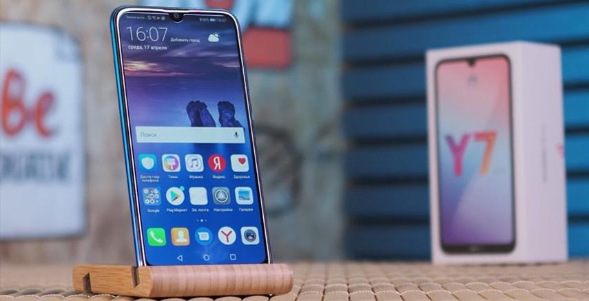 Обзор смартфона Huawei Y7