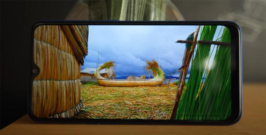 Экран бюджетного смартфона OPPO A5s
