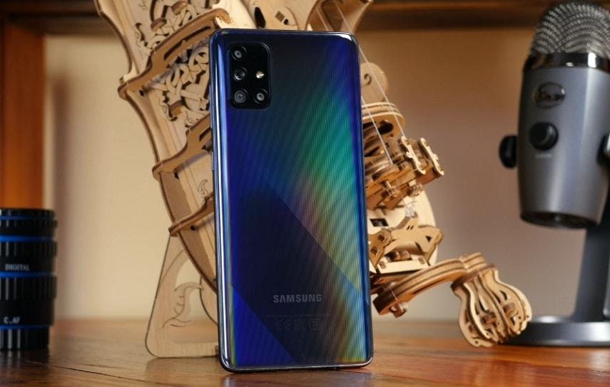 Дизайн смартфона Samsung Galaxy A71