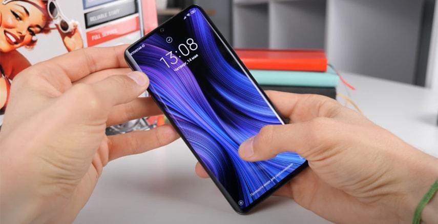 Очень красочный и изогнутый экран у Xiaomi Mi Note 10 Lite
