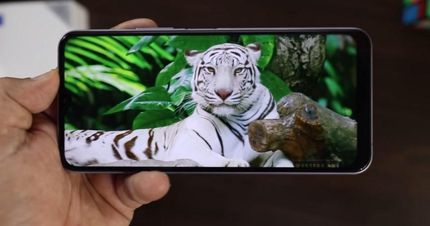 Экран смартфона vivo y20